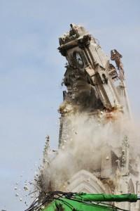 Destruction d'un clocher d'Abbeville