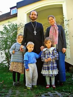 un prêtre orthodoxe marié et sa famille.