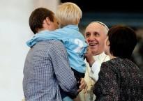 Le Pape et les familles