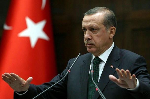 527021-le-premier-minstre-turc-recep-tayyip-erdogan-s-adresse-aux-deputes-de-son-parti-l-akp-au-parlement-a